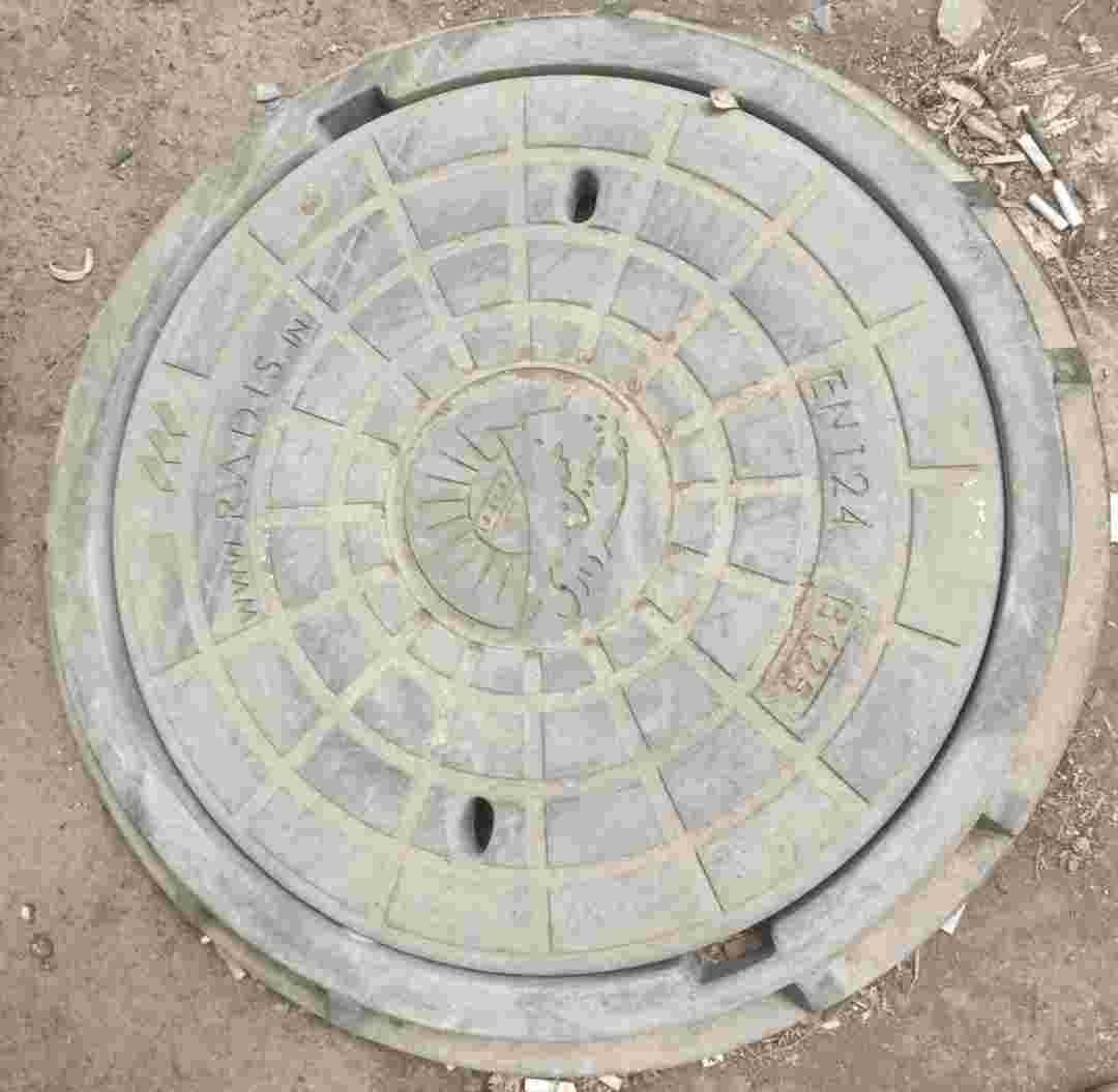 دریچه منهول دایره ای سایز 65